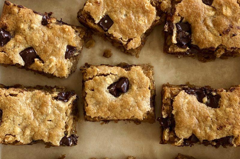 Chocolate Chunk Tahini Oatmeal Bites