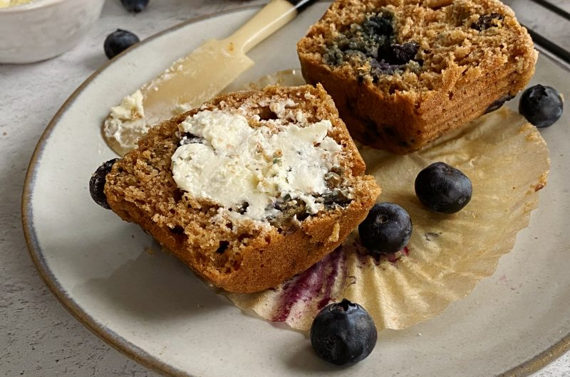 Healthy Blueberry Crumble Muffins
