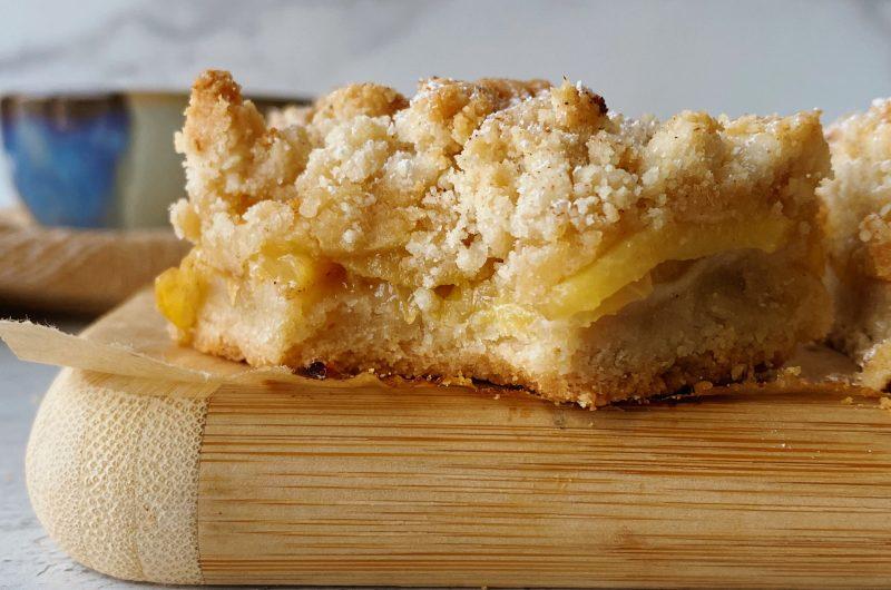 Gluten-free Peach Crumble Bars