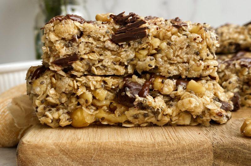 No-bake Dark Chocolate & Walnut Granola Bars